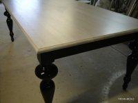 stół z blatem z litego drewna